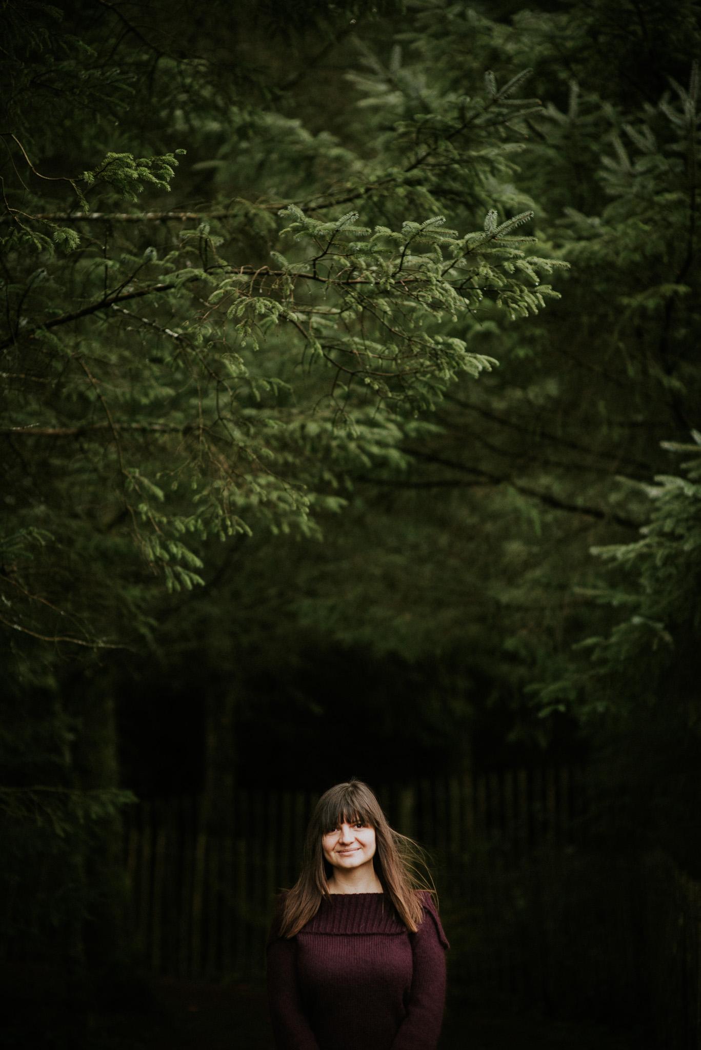 Herefordshire Wedding Photographer Cat Beardsley under the trees
